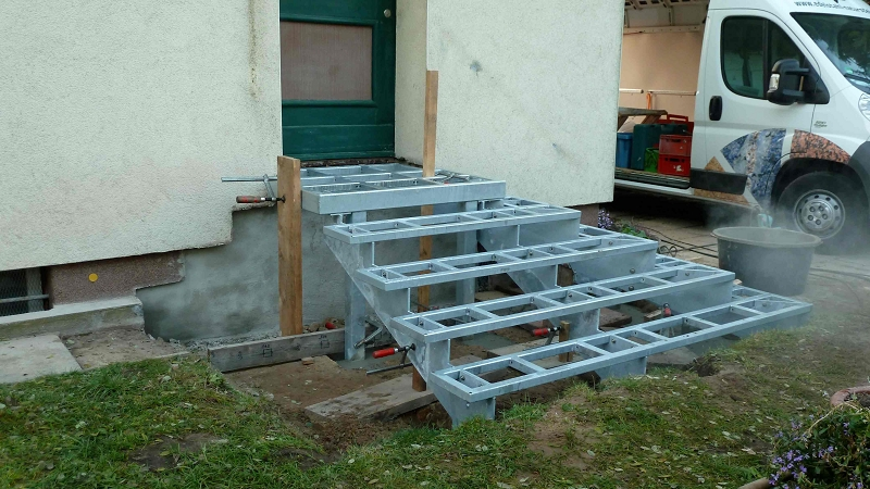 edelstahl naturstein design berlin sch nefeld betontreppen naturstein bel ge f r. Black Bedroom Furniture Sets. Home Design Ideas